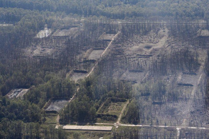 Аэрофотосъемка на территории военной базы после недавних взрывов на складах боеприпасов в Винницкой области.