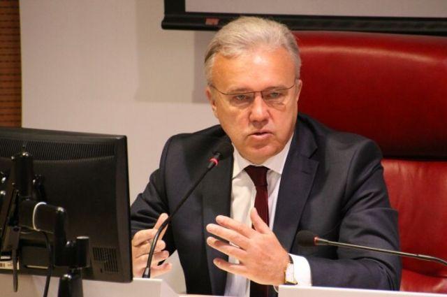Новый губернатор заявил, что в правительстве грядут кадровые перемены.