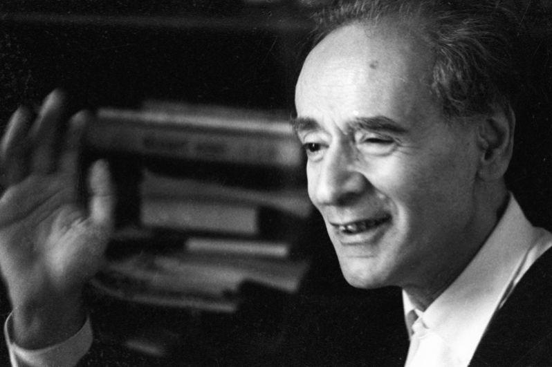 1962 год, Лев Давидович Ландау. Нобелевская премия по физике «за пионерские теории конденсированных сред и особенно жидкого гелия».