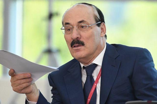 Рамазан Абдулатипов в Дагестане не смог договориться со всеми кланами.