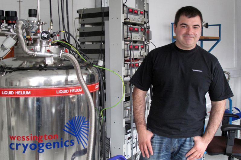 2010 год, Константин Сергеевич Новосёлов. Нобелевская премия по физике «за новаторские эксперименты по исследованию двумерного материала графена».