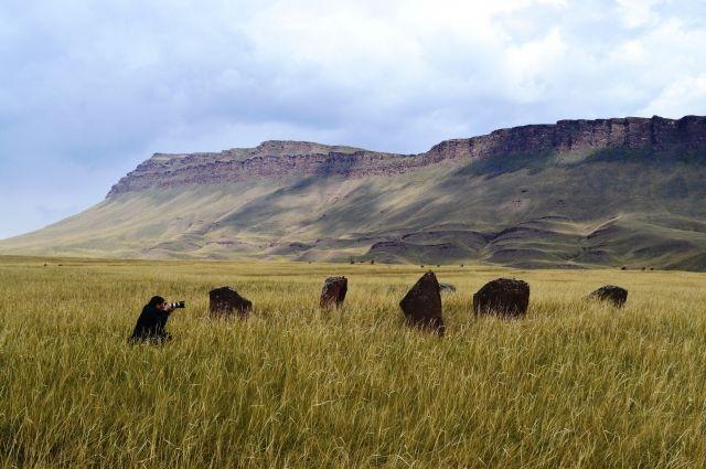 Оглахты - природный заповедник, где одно из самых больших скоплений петроглифов.