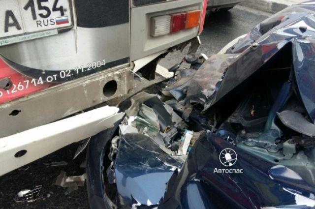 Трасса в Пуровском районе унесла жизнь водителя ВАЗа