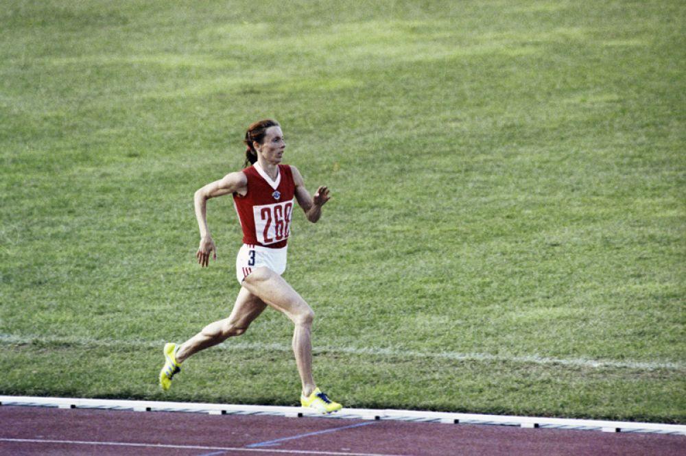 1976 год. Трёхкратная олимпийская чемпионка, рекордсменка мира и Олимпийских игр, бегунья Татьяна Казанкина.