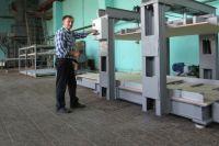 Анатолий Жаровских знает все о производстве оборудования для птицефабрик и фермеров. Так, например, выглядит инкубатор.