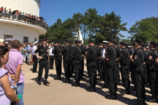 МИД Украины потребовал отменить военный призыв вКрыму