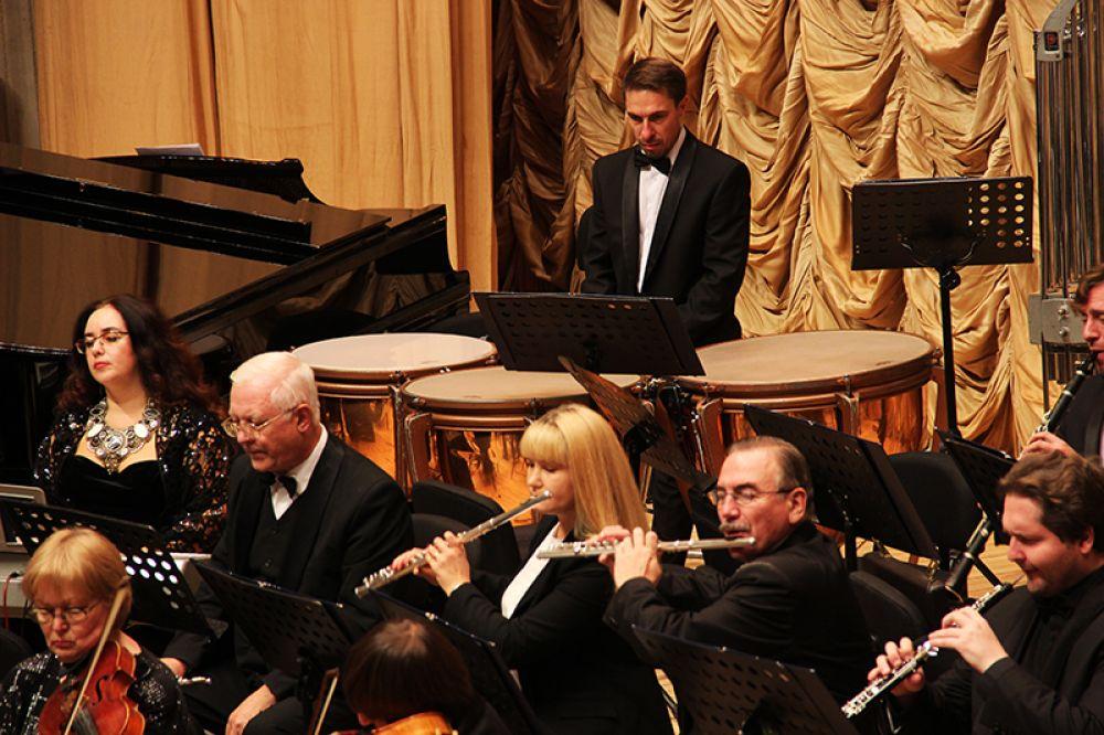 Гости выступили в сопровождении Ульяновского государственного академического симфонического оркестра «Губернаторский»