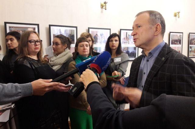 Председатель комитета по финансово-бюджетным вопросам Юрий Федотов комментирует поправки в бюджет.