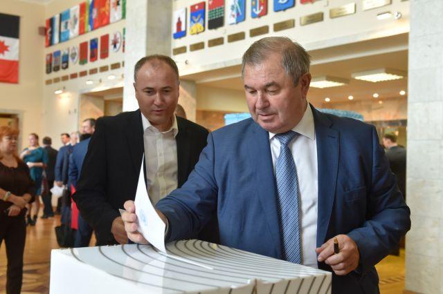 Депутаты большинством голосов согласовали кандидатуры.