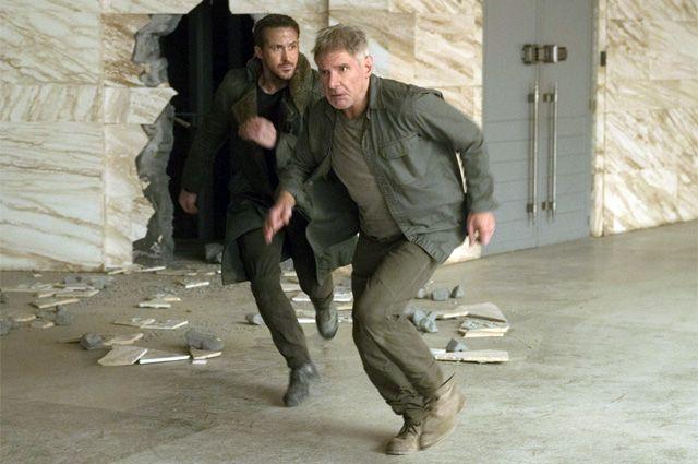 Райан Гослинг и Харрисон Форд в фильме «Бегущий по лезвию 2049».