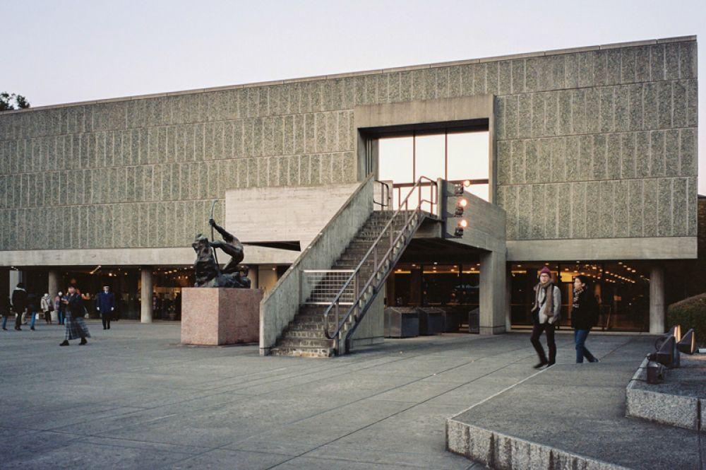 Национальный музей западного искусства в Токио. В настоящее время собрание музея охватывает около двух тысяч экспонатов, представляющих европейское искусство от Средневековья и вплоть до современности.