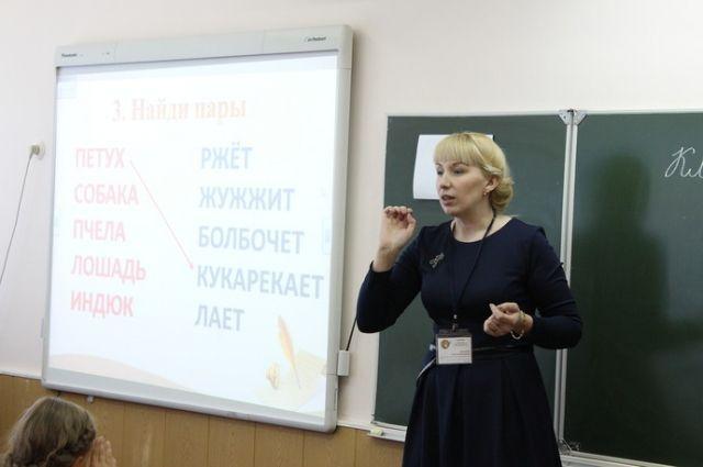 Руководитель Кубани поздравил преподавателей сДнем учителя