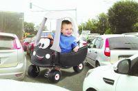 Ребёнок должен знать не только как чистить зубы и завязывать шнурки, но и как вести себя на дороге.