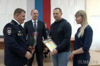 Полицейские поблагодарили Юлию и Виталия за содействие.