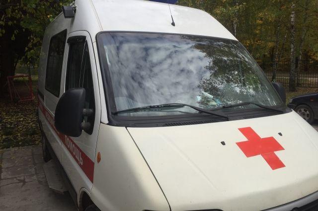 В Тюмени произошло ДТП: водитель получил травму позвоночника