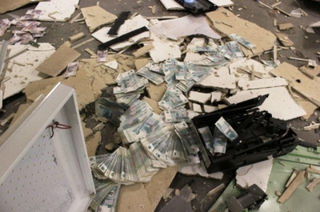 ВКрасноярском крае неизвестные украли избанкомата два млн руб.