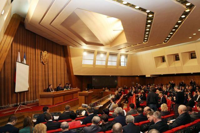 Крымский парламент лишил Лукашева депутатского мандата