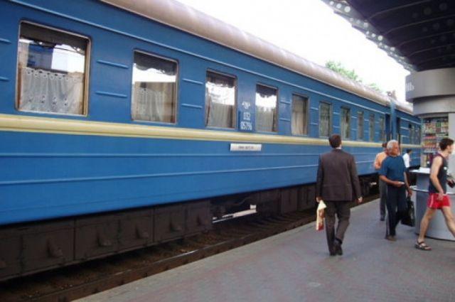 Впериод движения зажегся поезд Николаев-Киев