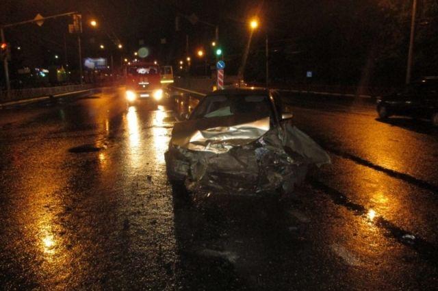 Тойота улетела вкювет из-за нетрезвого водителя «Волги», лишенного прав