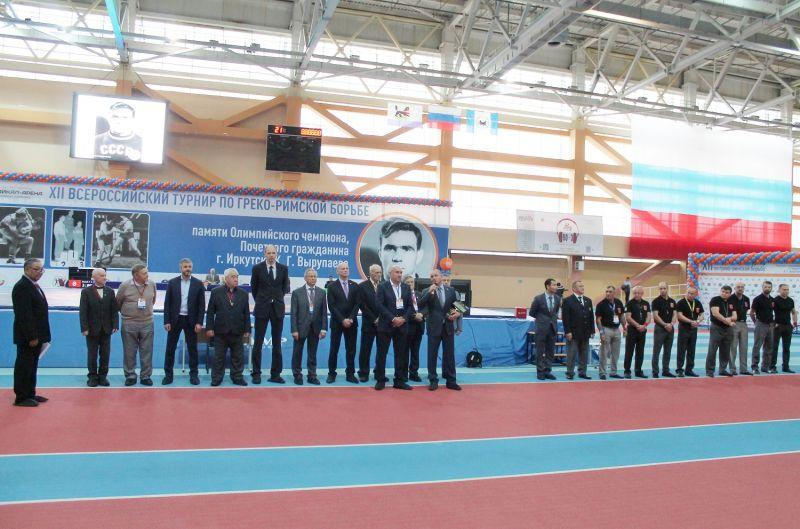 Соревнования открыл министр спорта Иркутской области.