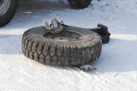 Автолюбителям напомнили, что пора менять шины на автомобилях.