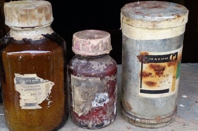 Гражданин Златоуста нашел впогребе своего дома склад взрывоопасной химии