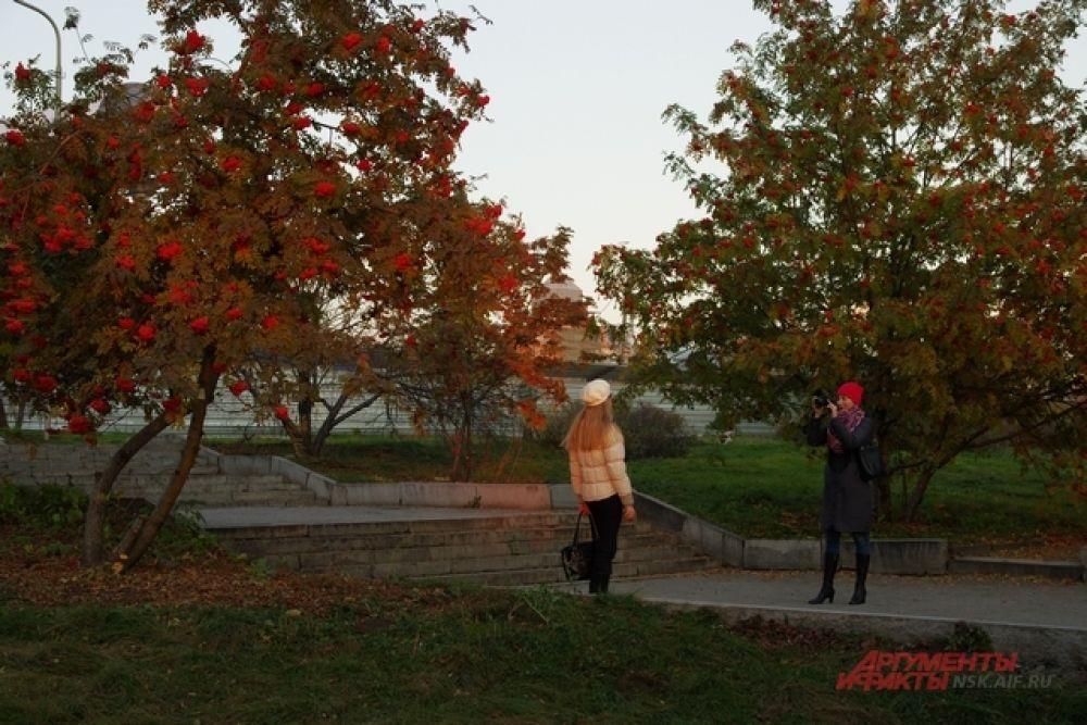 Тем более, что осень в этом году не скупится на яркие краски и теплые деньки.
