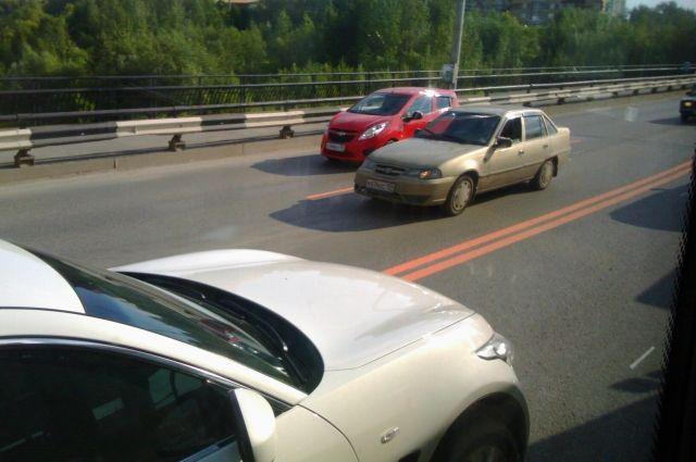 На дорогах с интенсивным движением разметку должны наносить термопластиком.