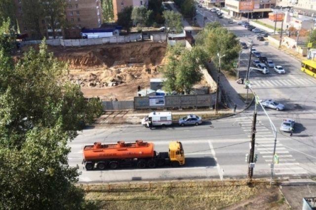 ВТольятти при строительстве офисного здания отыскали артиллерийский снаряд