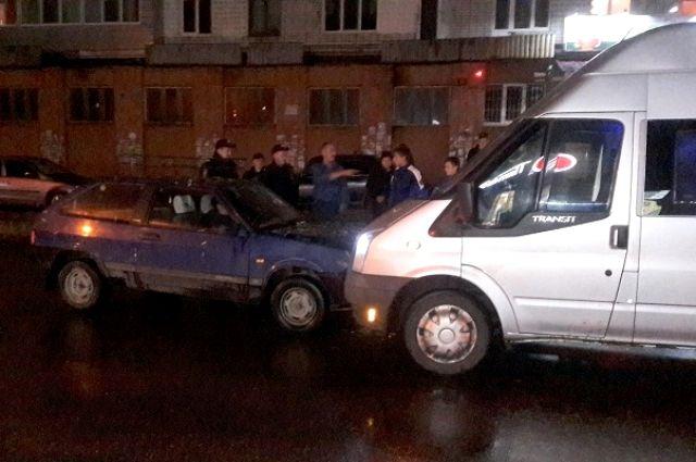 ВБрянске нетрезвый 21-летний шофёр «Восьмерки» без прав протаранил Шевроле Aveo