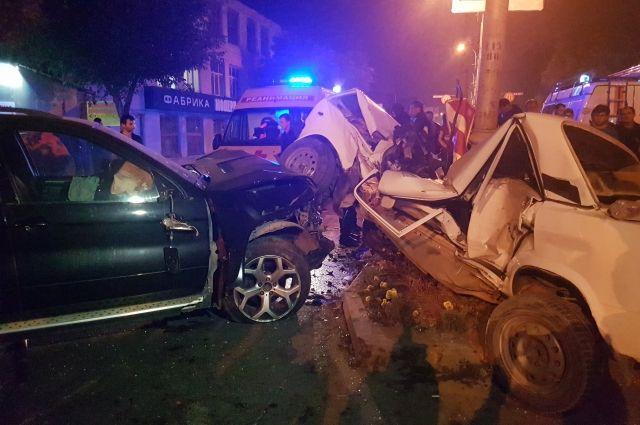 09:18 10/10/2017<br /> 0<br /> 298</p> <p>В Пятигорске в страшном ДТП с BMW-X5 погиб 59-летний мужчинаСтолкновение произошло на улице Калинина