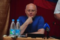Виктор Назаров попрощался с журналистами.