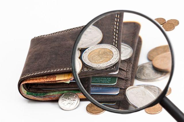 ВСмольном одобрили дефицитный проект бюджета Петербурга натри года