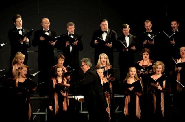 Благодаря хоровой капелле Удмуртии ижевские меломаны снова увидели истинное творческое лицо немецкого композитора Карла Орфа.