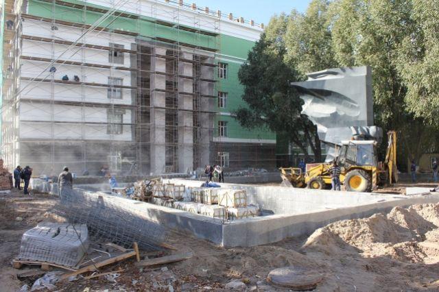 ВСамаре восстанавливают фонтаны— «Красное знамя» ивсквере «Шанхай»