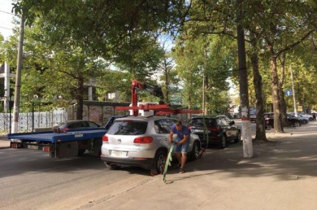 Чтобы забрать машину до штрафстоянки, будет нужно на месте устранить причину эвакуации.