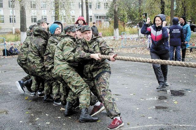 7 октября на сборном пункте краевого военного комиссариата прошёл День призывника.