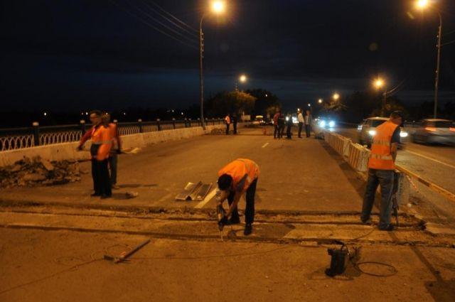 В Оренбурге открыли мостовую развязку на Илекском шоссе.