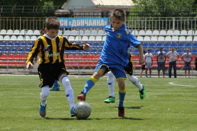 На новой площадке все желающие смогут играть в футбол.