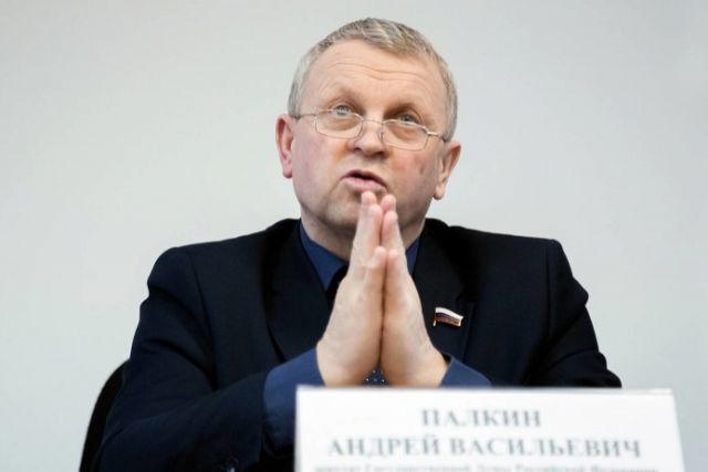 Депутат Государственной думы Андрей Палкин будет отдавать 8 млн долгов каждый месяц