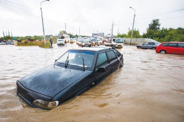 Ливневки не справились с сильным дождём, накрывшим Уфу 4 сентября.