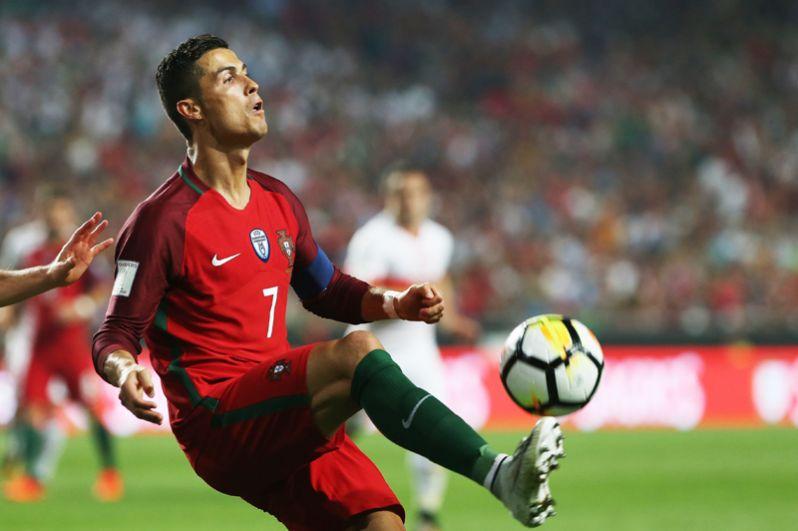 Криштиану Роналду. Лидер сборной Португалии и «Реала», четырёхкратный обладатель «Золотого мяча».