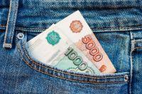Украинец своровал у тюменки деньги и телефон