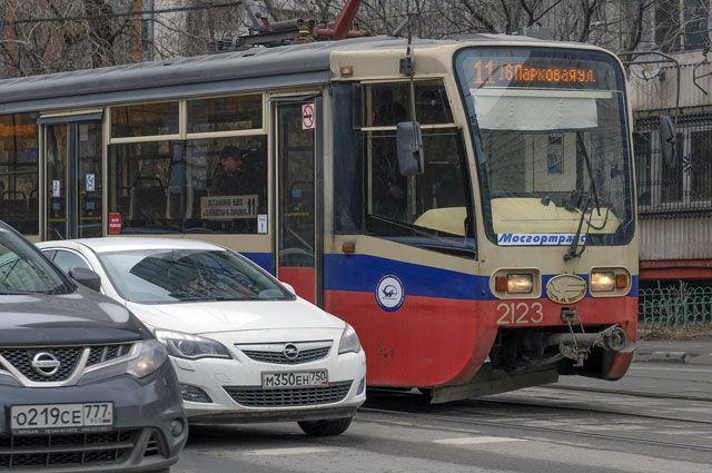 В каких случаях можно ездить по трамвайным путям?