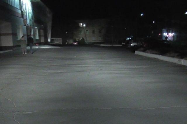 В Новотроицке около кинотеатра иномарка сбила 12-летнего мальчика.