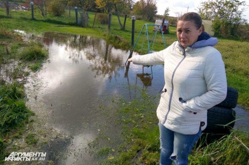 Затопило десятки садовых участков и придомовых территорий.