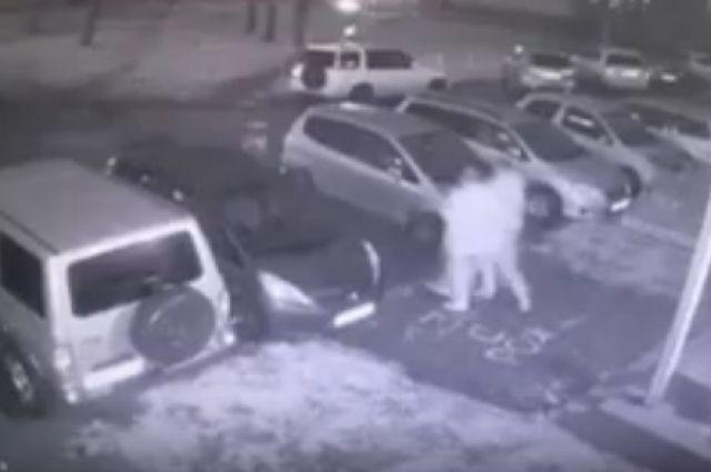 Фрагмент видео с подозреваемыми.
