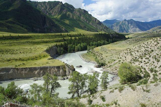 На Алтай едут, прежде всего, полюбоваться на красоту природы.