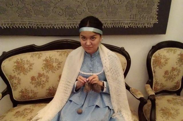 В Оренбуржье у каждой девушки есть паутинка или платок.