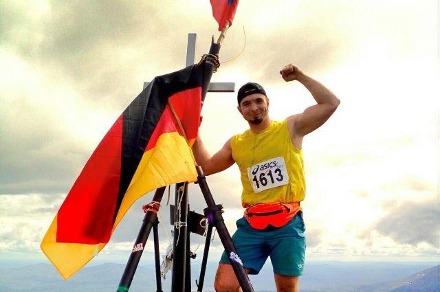 Самым большим своим достижением на сегодняшний день Роман считает участие в Международном горном марафоне «Конжак-2017», а также освоение таких экстремальных видов спорта как роуп-джампинг, скалолазание, прыжки на батуте, сноубординг, дайвинг